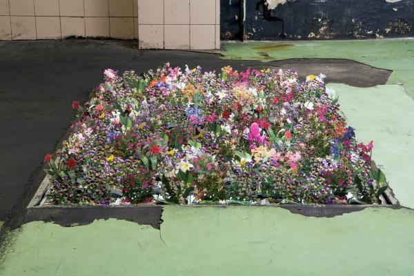 Andrea mastrovito for Fiori particolari da giardino